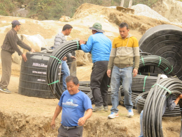 Water pipes and wells reach Salleri from Kathmandu. From here they will be delivered to the Taksindu district of Nepal.