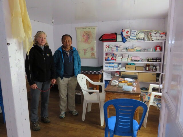 Tara Foundation USA Board Member, Denise Coriell, working in the Thame Clinic with Dr. Kami Sherpa